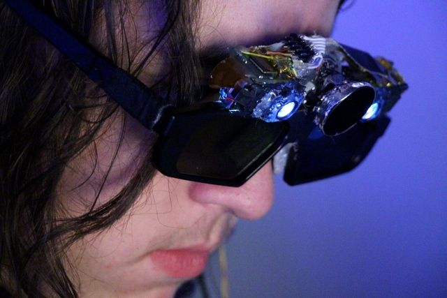Technical Illusions Shows Off Its CastAR Augmented Reality Glasses Prototype at World Maker ...