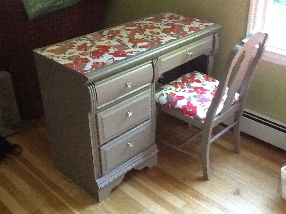 Desk Vanity Redo Using For A Manicure Table Diy Manicure Table Vanity Redo Diy Furniture