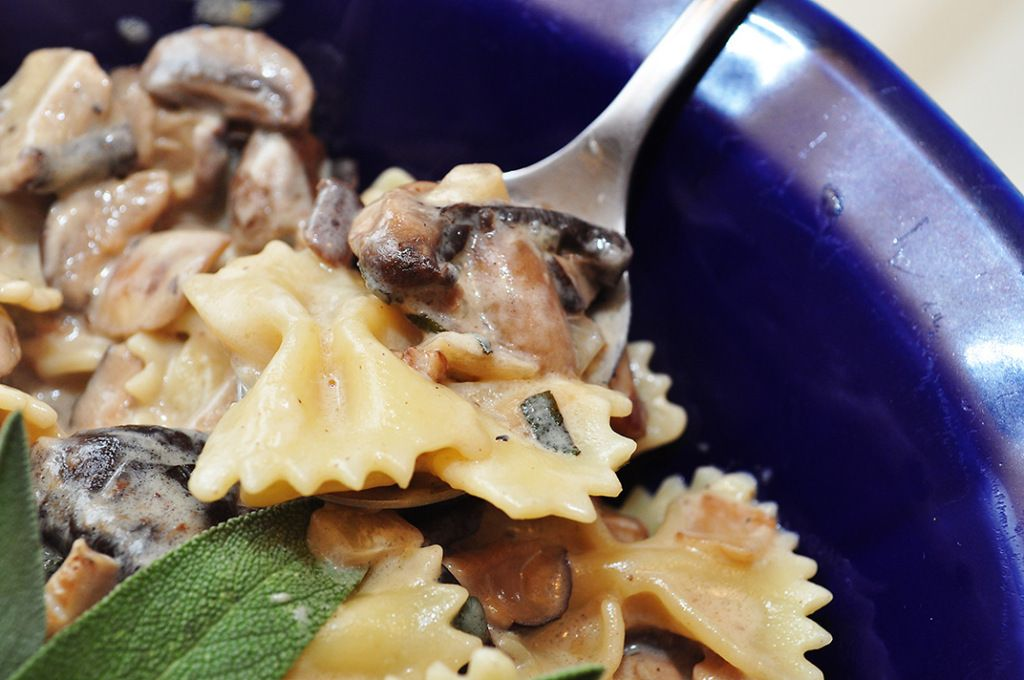 Mushroom Sage Pasta with Gorgonzola #pasta
