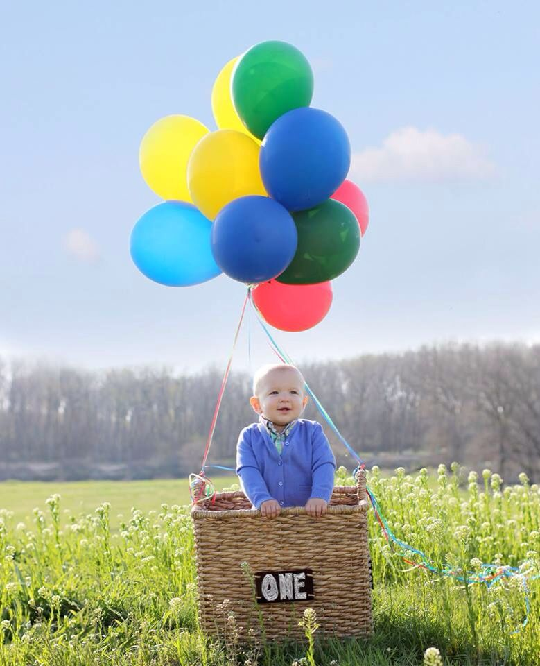 1st Birthday Photo Idea. Hot Air Balloon Themed, Growing