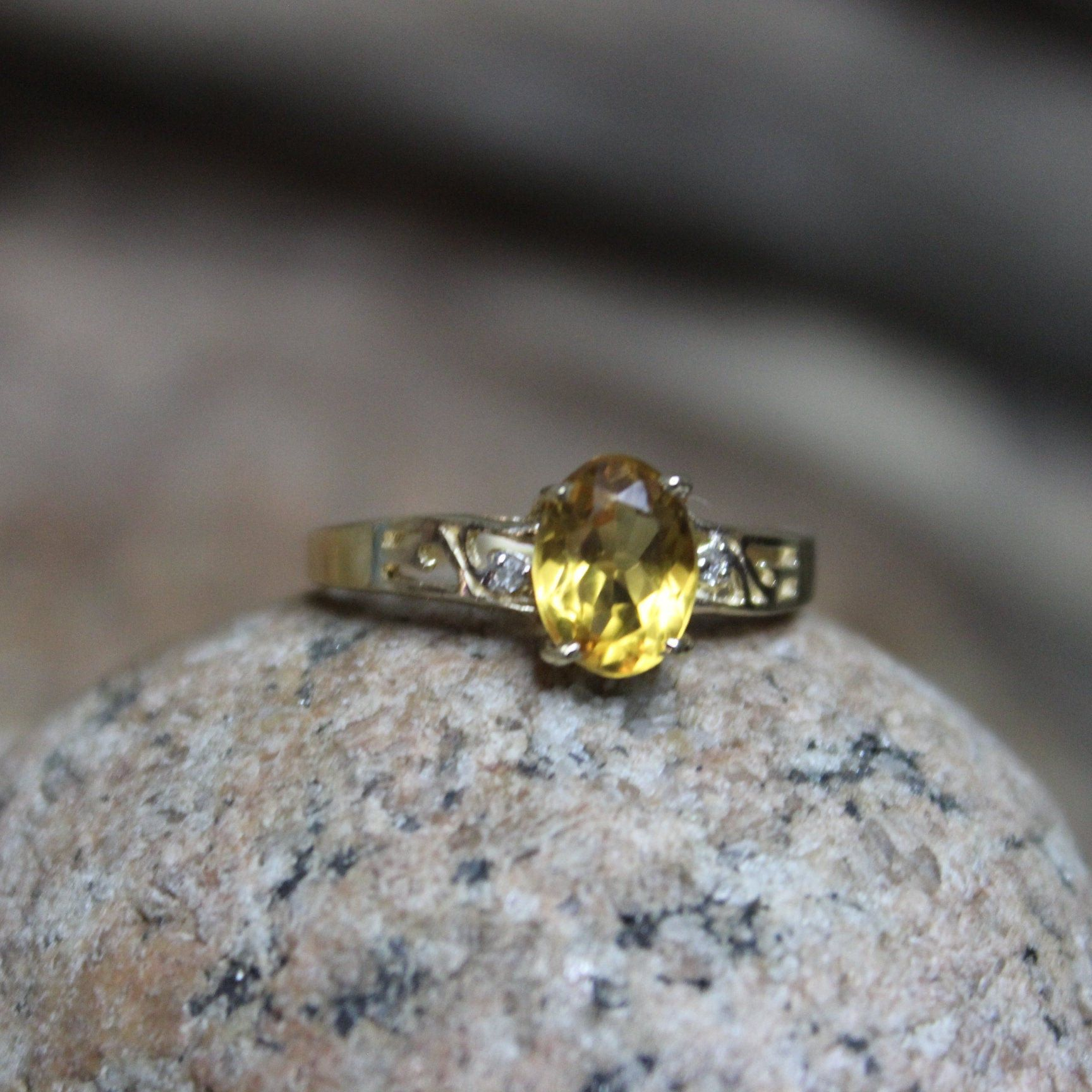 1990 S Vintage 10k Solid Gold Citrine Diamond Ring 1 9 Etsy In 2020 Citrine Ring 10k Gold Ring Vintage Rings