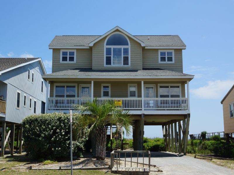 Holden Beach Nc Sea Life Diffely 945 A 4 Bedroom Oceanfront Al House In Part Of The Brunswick Beaches North Carolina