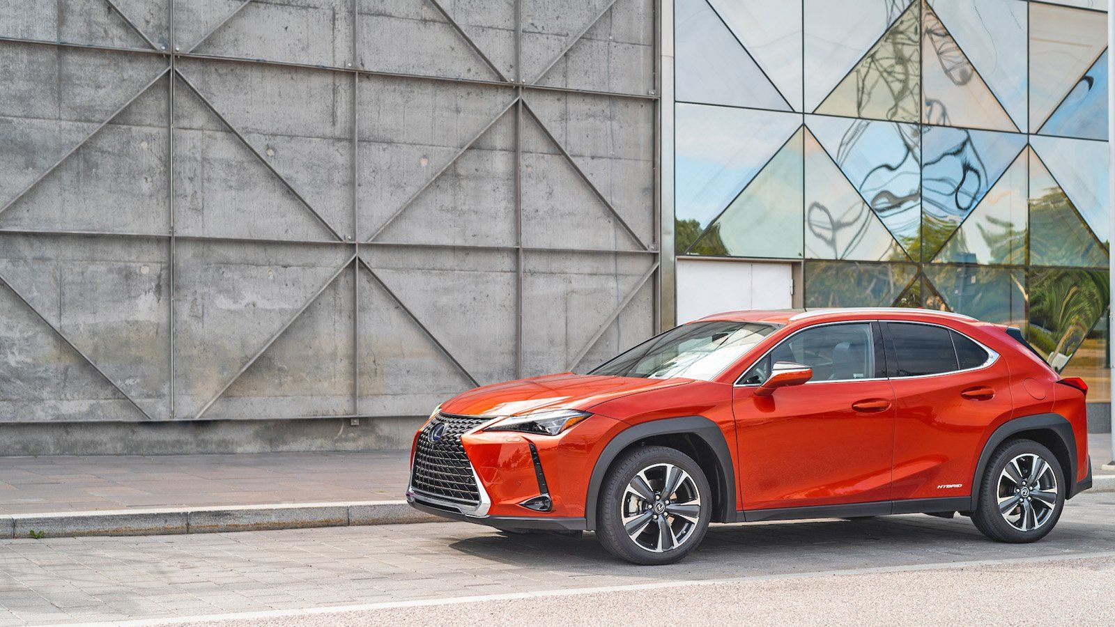 The Drive Takes Out The Lexusux 200 And Ux 250 Hybrid Lexus