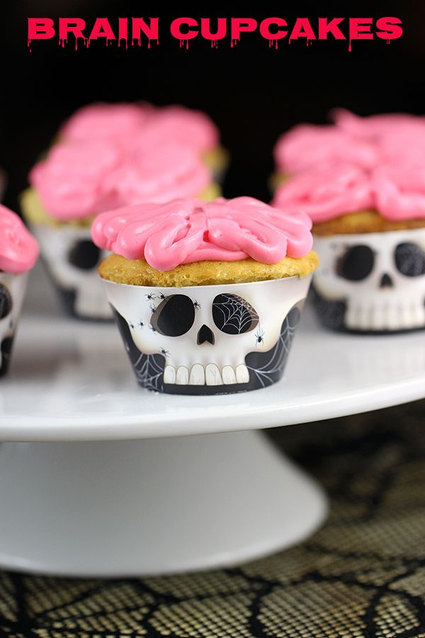 Spooky Halloween Treats via Homemaking Hacks >> #WorldMarket Halloween #HalloweenTreats #HalloweenEntertaining