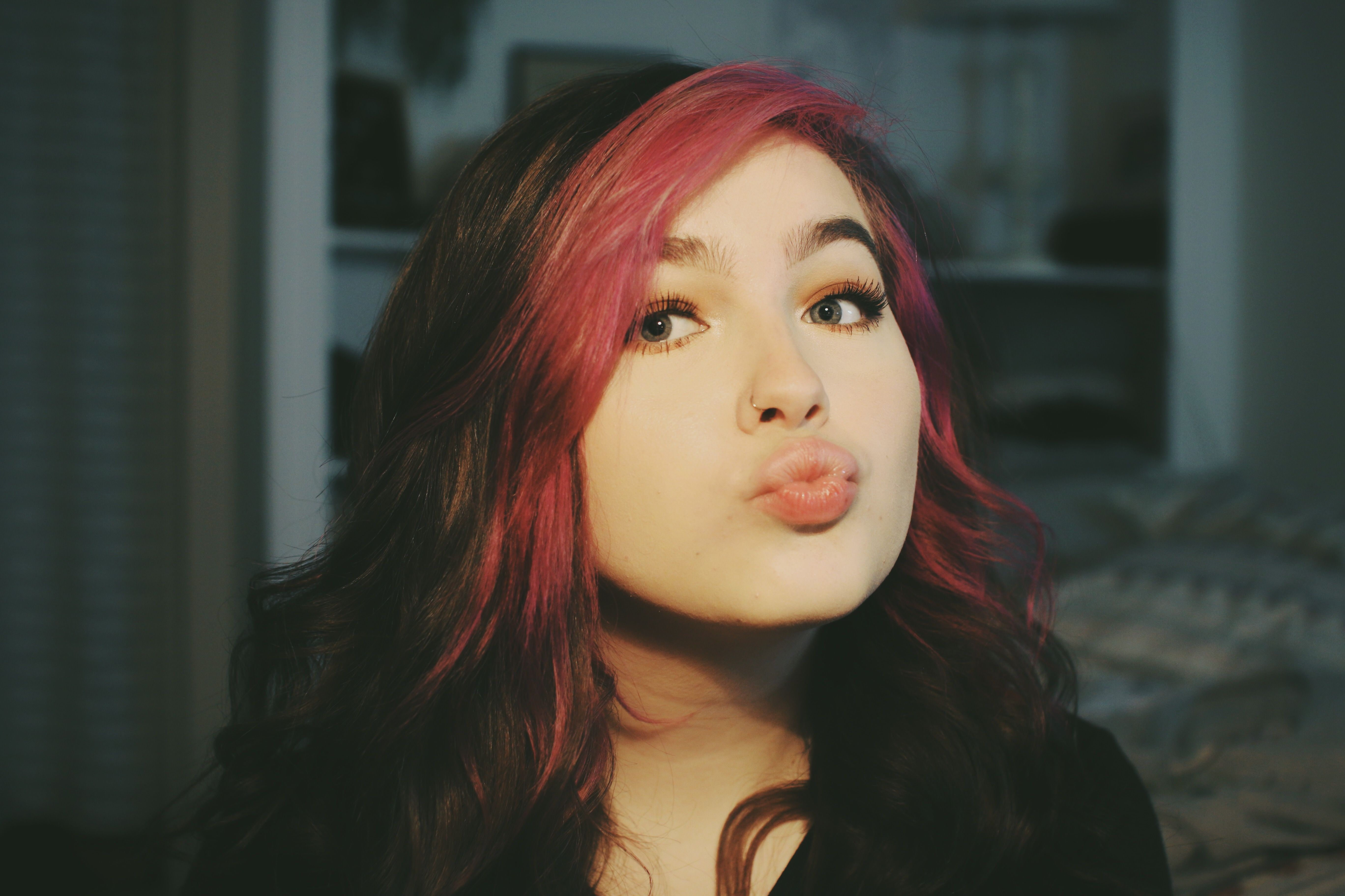 Who Is This Girl In 2020 Hair Color Streaks Hair Inspo Color Aesthetic Hair