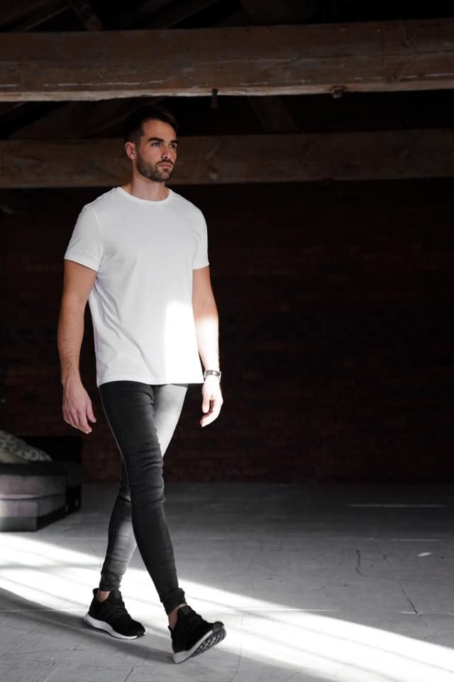 What is the proper way to wear skinny jeans with or without underwear for both sexes? - Quora