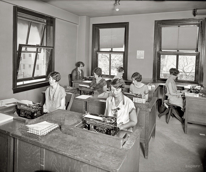 Nine to Five: 1926, with big zoom