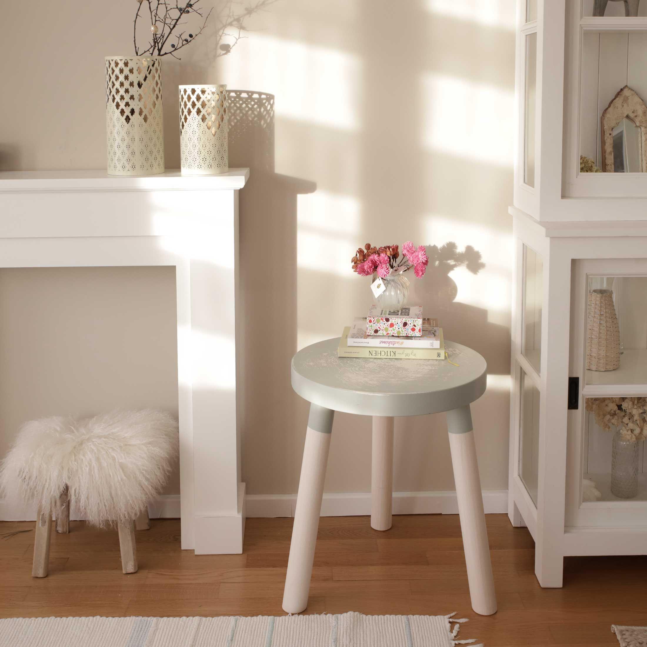Beistelltisch Vintage Shabby Aus Holz In Salbeigrun Rund Shabby Tisch Beistelltisch Rund Sofatisch Style At Home Wohnzimmertische Couchtisch
