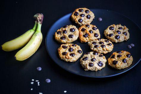 Frühstück mal anders! Die Frühstückscookies ohne Zucker, Mehl oder Butter lassen euch glauben zu naschen, sind aber der perfekte Start in den Tag!
