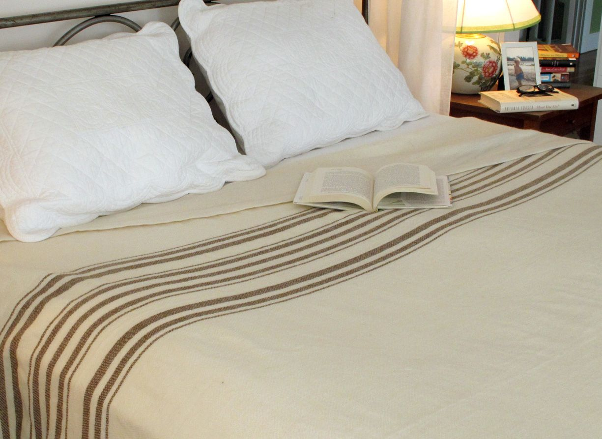 white with brown stripes summer weight blanket blankets blanket cooling blanket king size. Black Bedroom Furniture Sets. Home Design Ideas