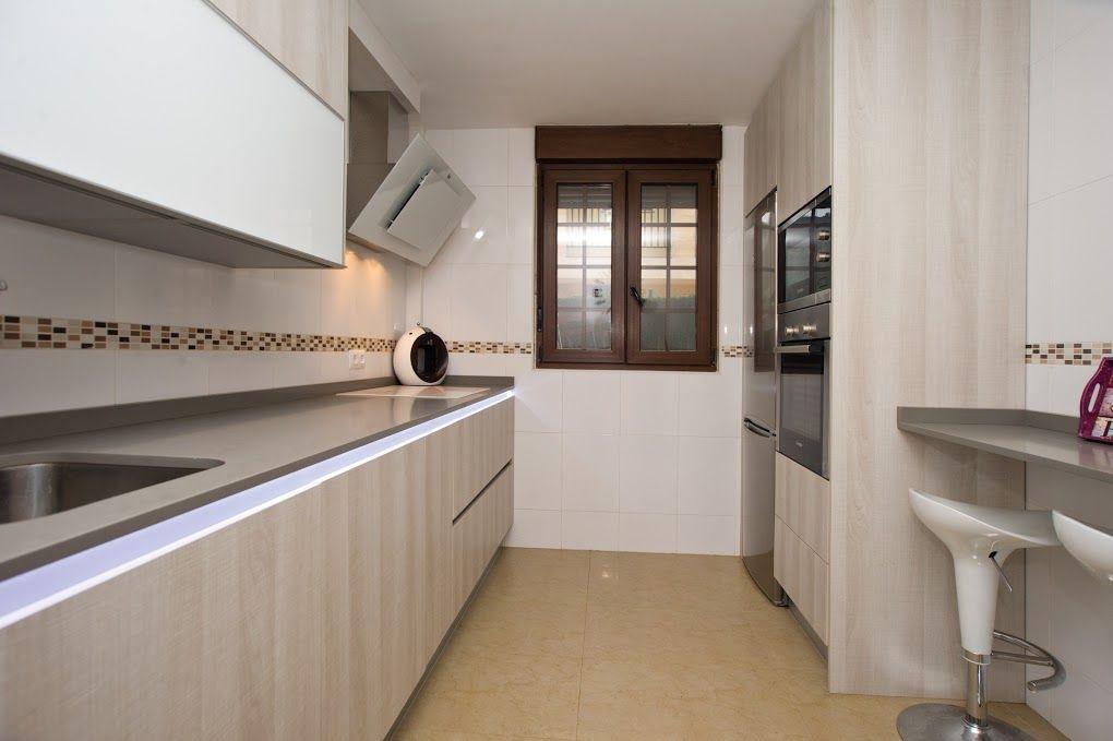 Cocinas estrechas consejos cantabria soinco 1 cocina preciosa pinterest kitchens - Cocinas soinco ...