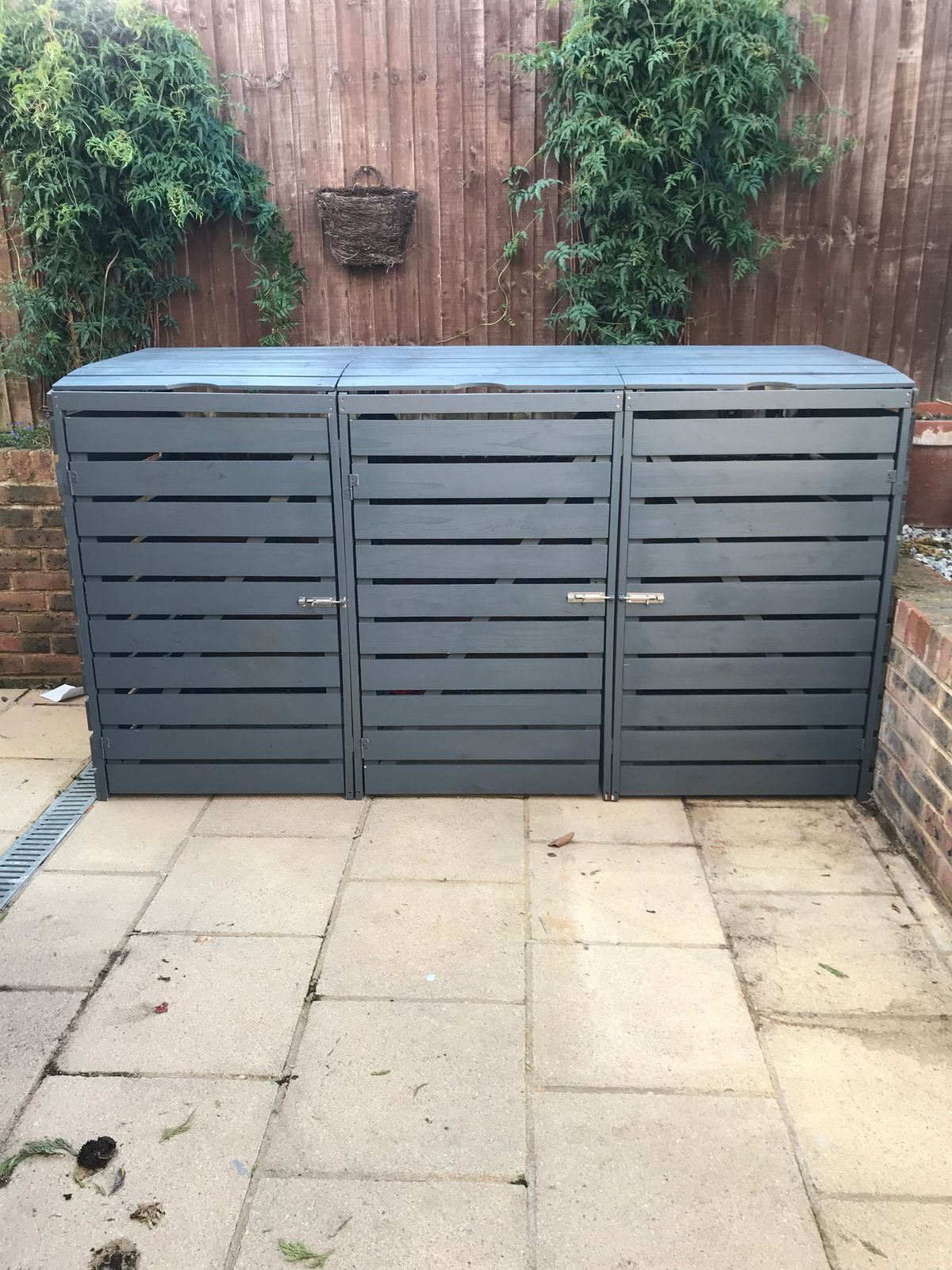 Wheelie Bin Stores best quality all sizes painted & DELIVERED