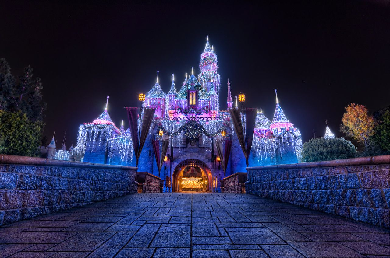 I love the castle during Christmastime