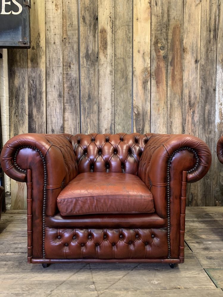 Chesterfield vintage antique red oxblood leather club