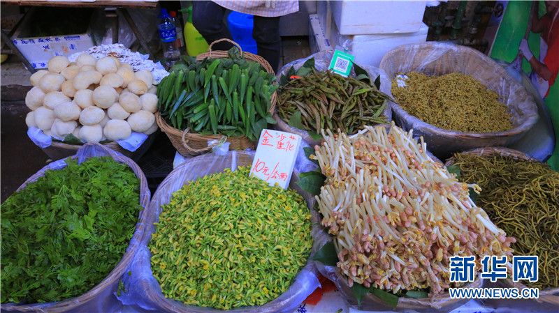 In pics: fresh spring vegetables sold at Kunming market_云南网