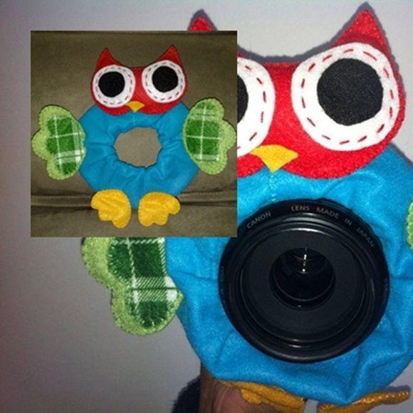 Acessório para máquina fotográfica confeccionado em feltro, um ótimo acessório para registrar os melhores momentos da garotada.    Consulte também outros modelos e cores.    *Lente fotográfica meramente ilustrativa* R$ 29,50