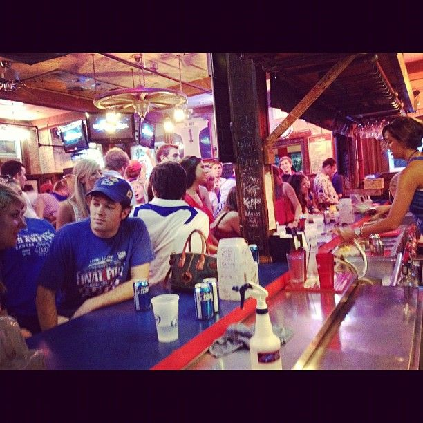 My POV ordering drinks at the Wheel last night for the #kubball game. A little piece of heaven on earth :)