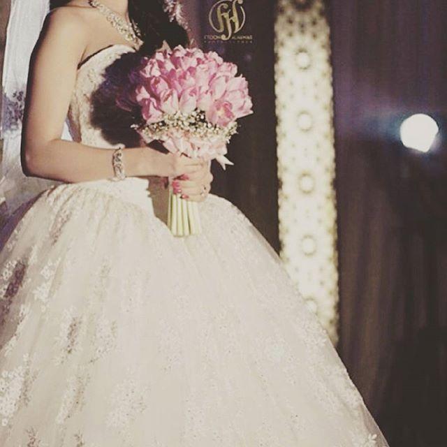 انتظر فستان ابيض معاك يكون White Wedding Gowns Wedding Gowns Gowns
