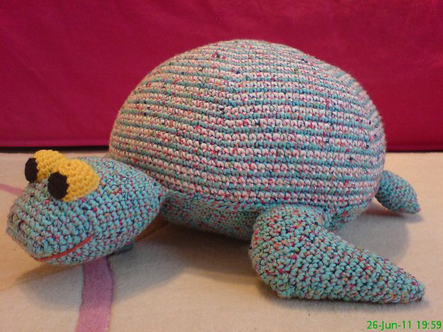 Free Turtle Pillow Crochet Pattern at Ravelry http://www.ravelry.com ...