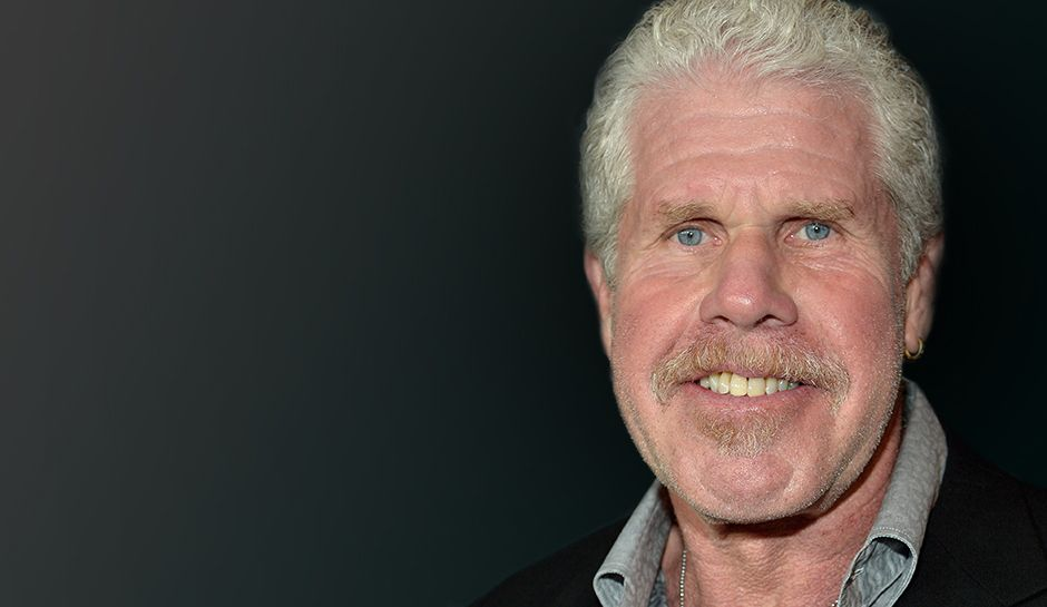 Sons Of Anarchy Alum Ron Perlman Prefers His New Show Hand Of God Ron Perlman Sons Of Anarchy Anarchy