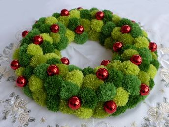 Photo of Free instructions: DIY – Christmas wreath made of pompons