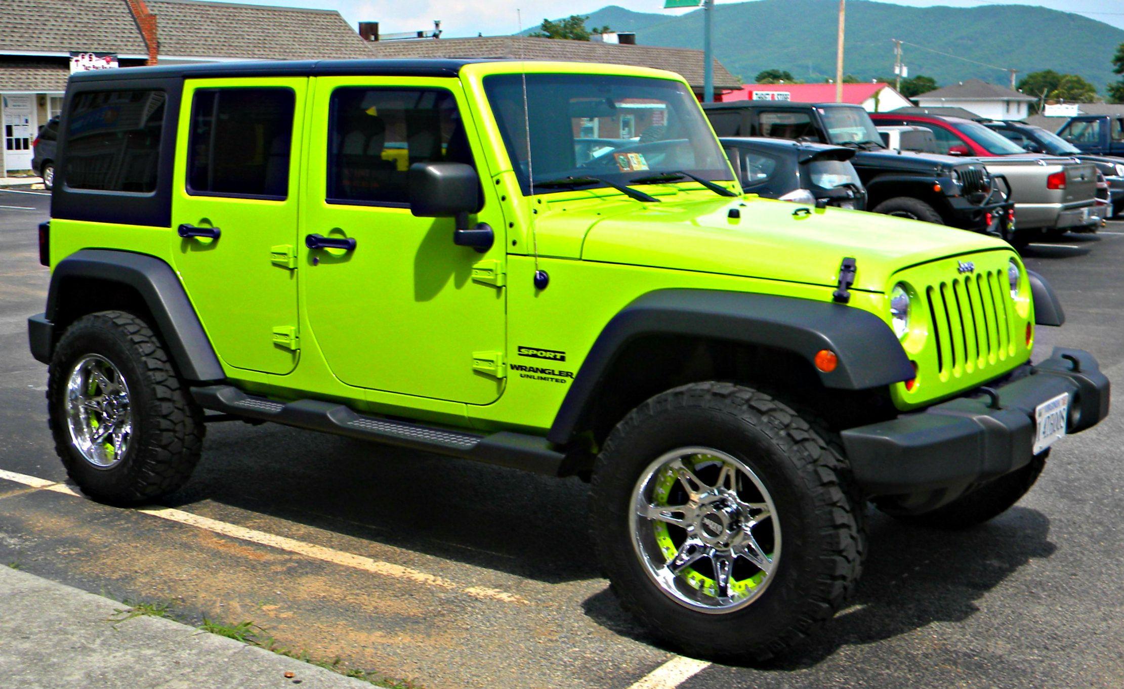 lime green jeep - HD2221×1362