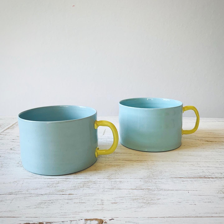 Da Sind Sie Unsere Neuen Marshmallow Tassen In Himmelblau Himmelsfarben Blue Mug Porcelain Newin Supportyourlocalpotter Porzellan Tasse Becher Porzellan