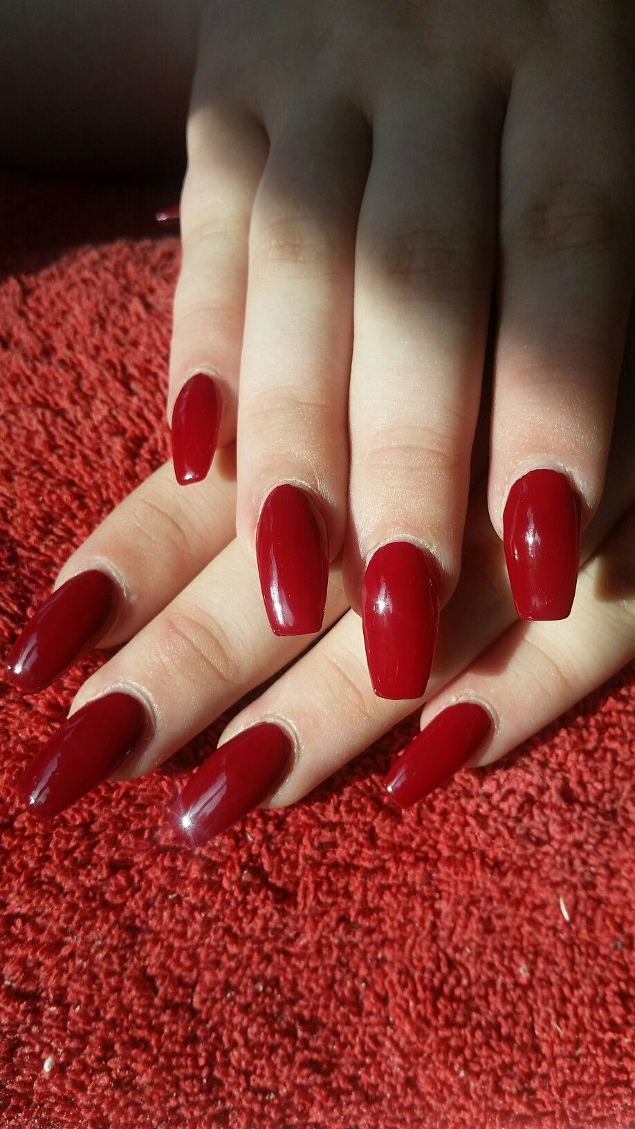 Wine red coffin shaped acrylic nails | Red acrylic nails