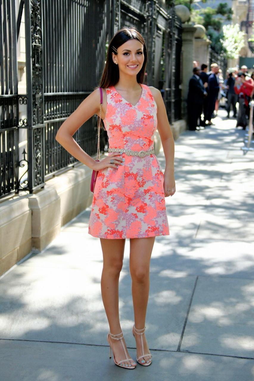 Victoria Justice Carolina Herrera Spring Fashion Show September 14 2015