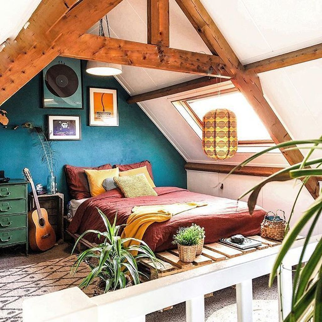 36 Lovely Attic Bedroom Ideas With Bohemian Style