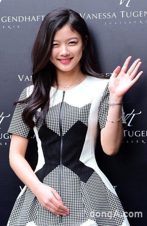 คิมยูจอง (김유정) - รูปภาพ @ HanCinema :: ภาพยนตร์เกาหลีที่ฐานข้อมูลและการละคร