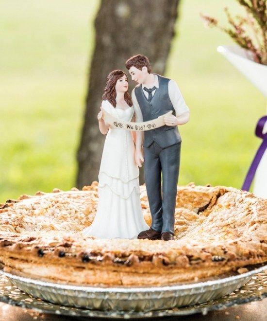 33 Vintage Wedding Cake Toppers Bride And Groom | Wedding Cakes ...