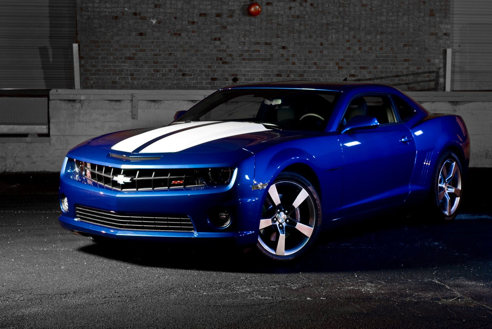 Blue Camaro Ss With White Rally Stripes Awesome Cars