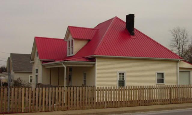 Best Houses With Red Metal Roof Spradlin Construction 400 x 300