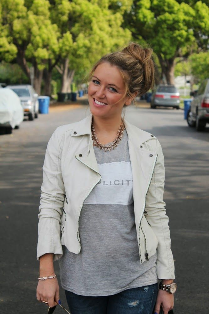 Casual spring outfit, Jeans and a T, white moto jacket, white pumps