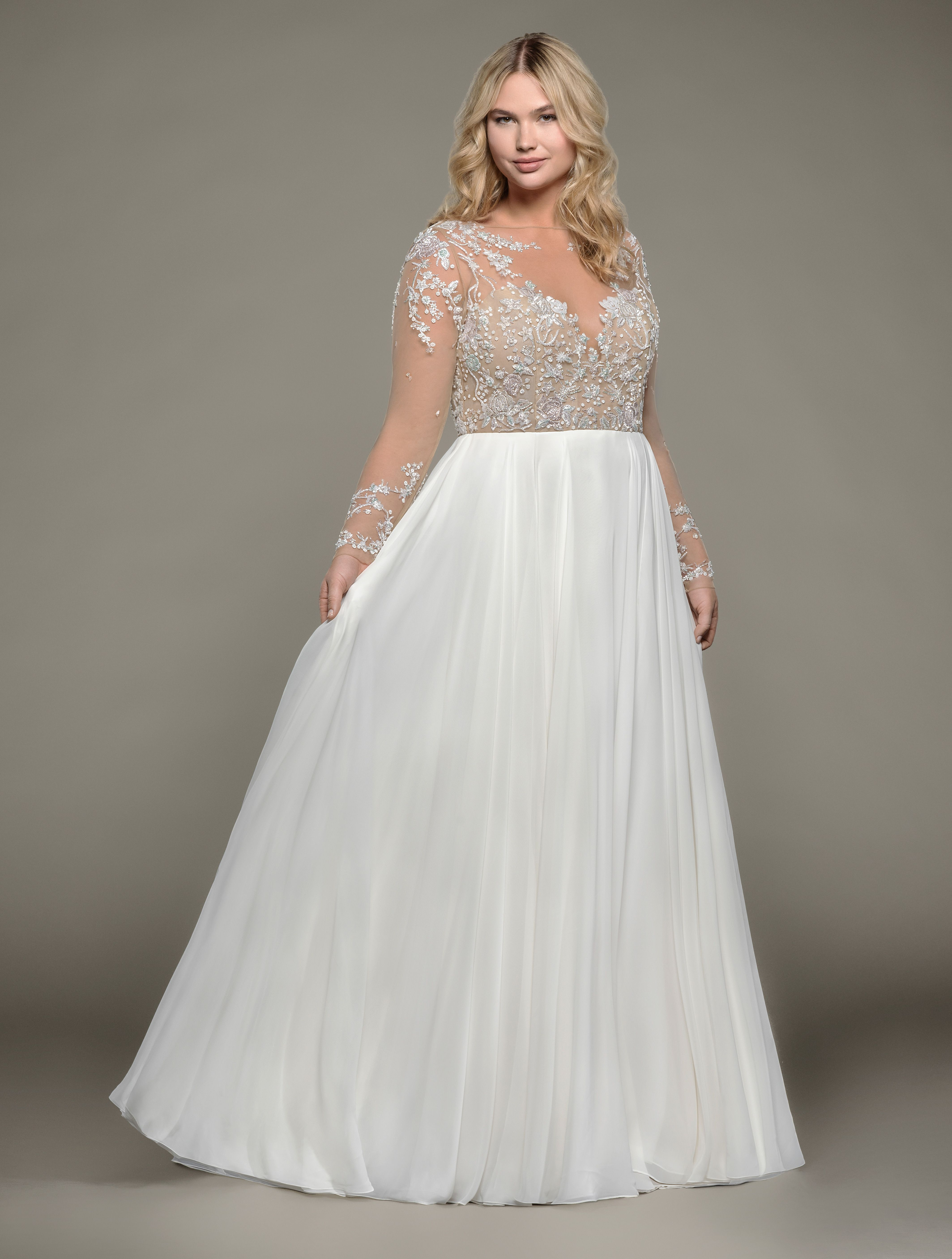 Style 6807s Pascal Hayley Paige Bridal Gown Ivory Chiffon A Line Bridal Gown Long Sle Wedding Dresses Size 14 Modern Wedding Dress Wedding Dresses Plus Size [ 5623 x 4254 Pixel ]