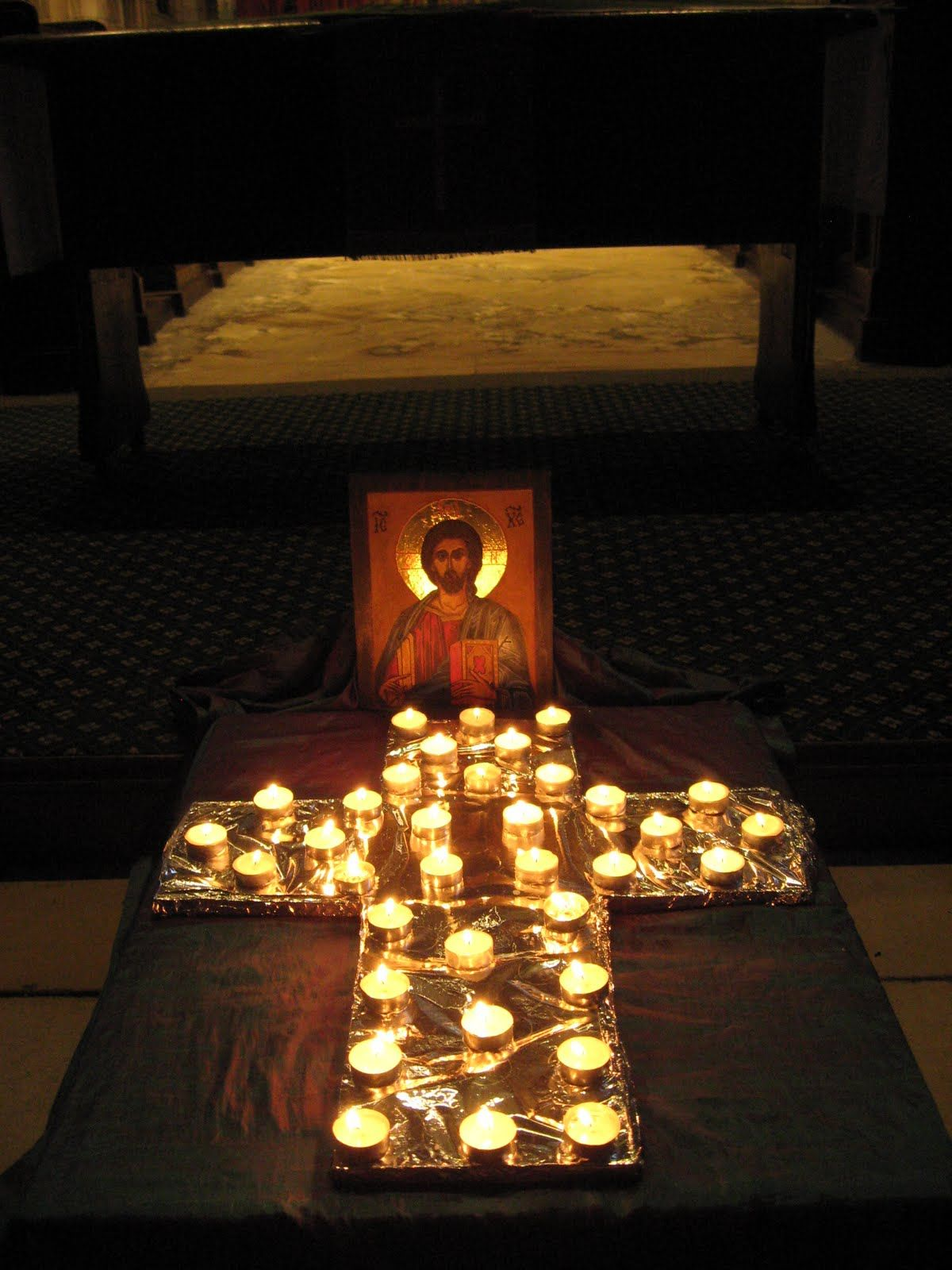 Taize Chapel Decoration Great Idea For Small Spaces Church Decor Church Activities Prayer Stations