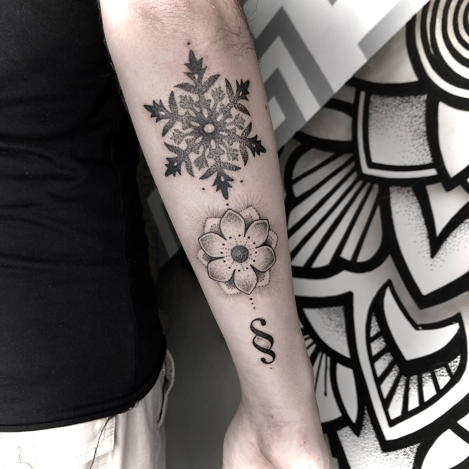 tattoo snowflakestattoo flowertattoo symboltattoo