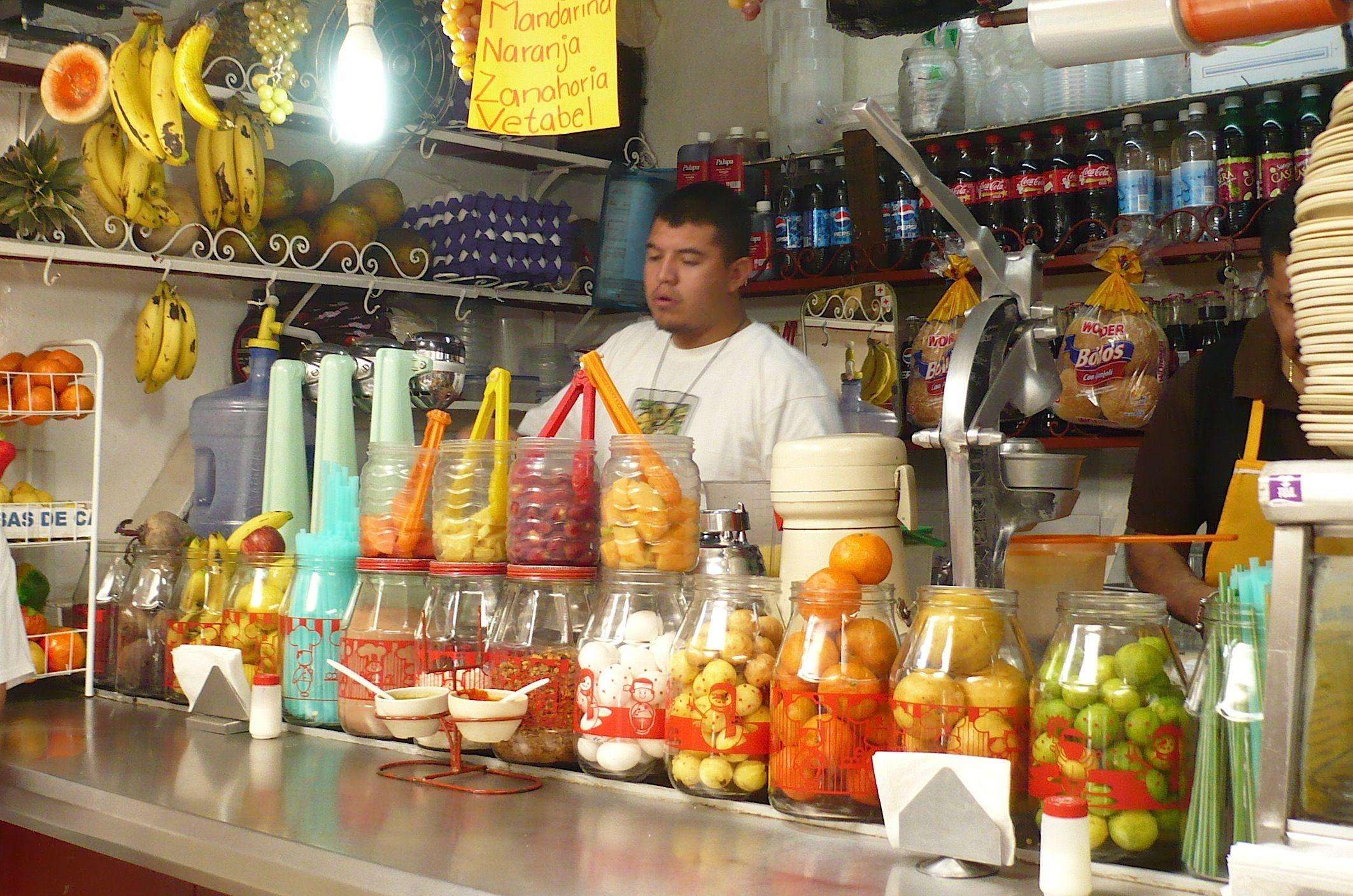 eating at mexican markets - Buscar con Google