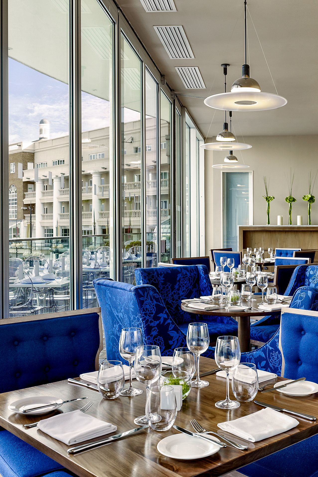 The Chelsea Harbour Hotel Chelsea Harbour London Plush Suites Come As Standard And Are Extra Extra Roomy So Nothing Ca London Living Chelsea Hotel Hotel