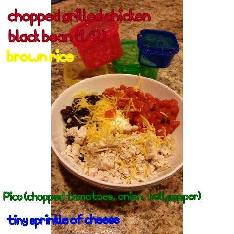 #21dayfix Fiesta bowl! SO filling. I meant to put mine all on a bed of spinach but I got too excited.  Last minute I added a drop of Greek yogurt on as sour cream.
