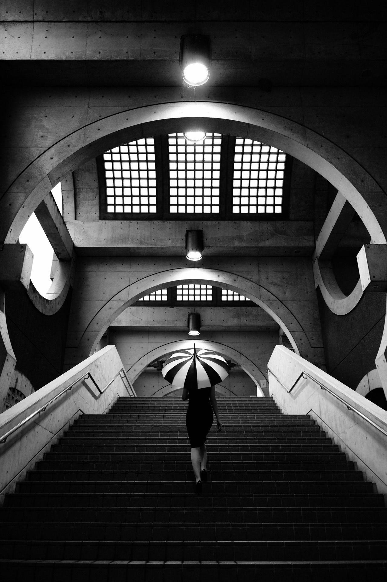 Épinglé par Jean G. Cauvin & Val sur STAIRS Noir et