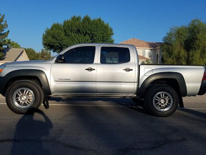 2008 Toyota Tacoma 4WD BEFORE Pro Comp 65205k Leveling Kit