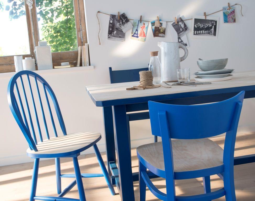 Relookez Vos Chaises Dpareilles Avec Une Peinture Bleu Outremer