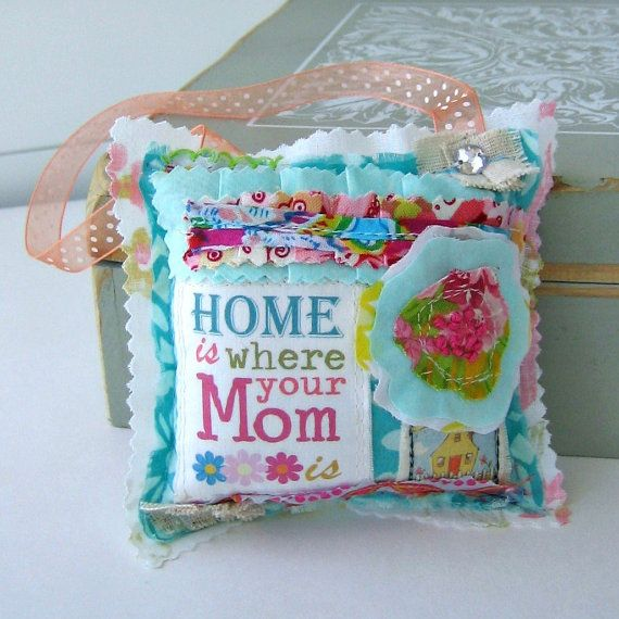 Little Pillow Door hanger Mothers Day Flower от tracyBdesigns