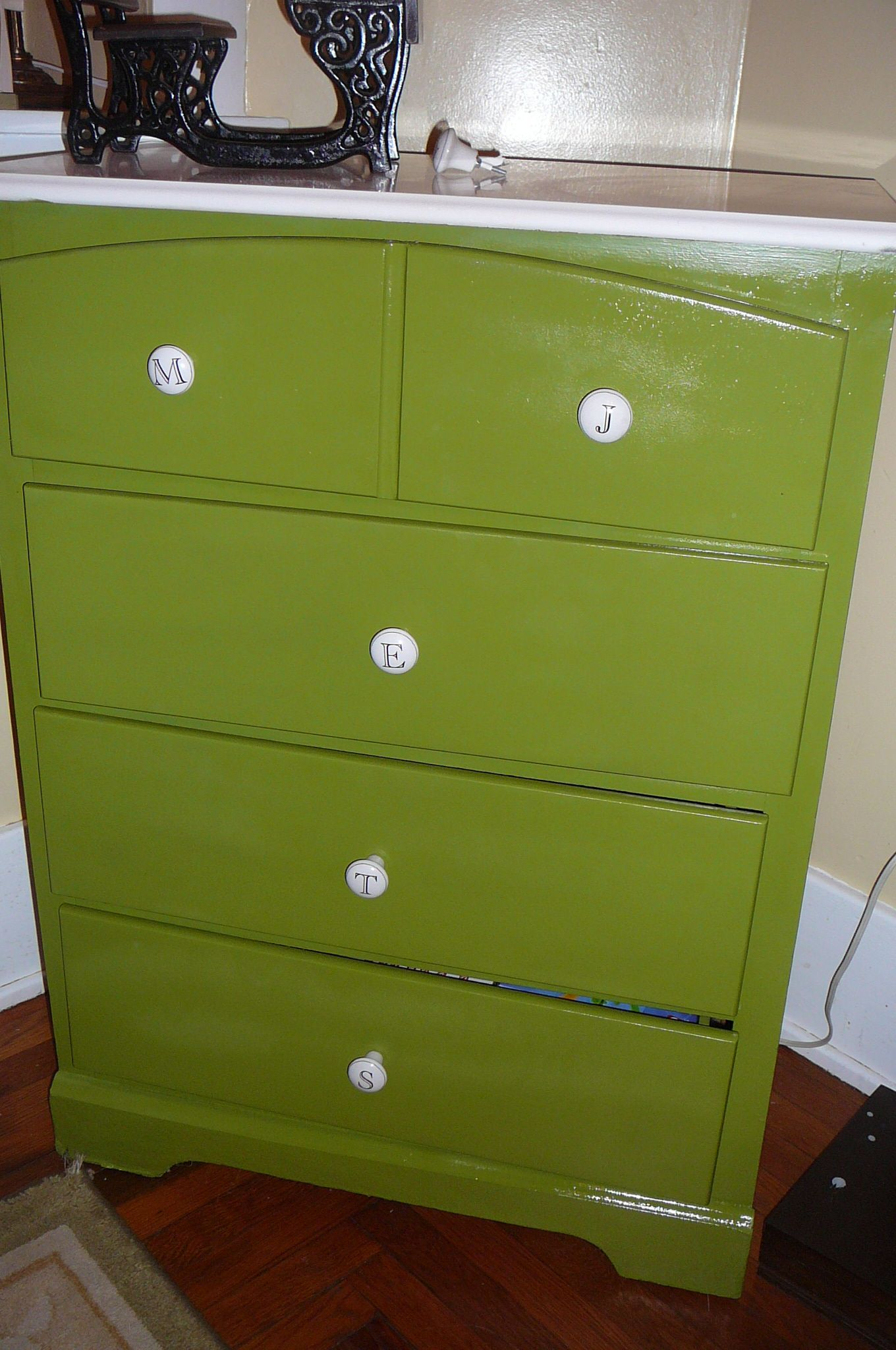 brown dressers blue drawers design sticker beige white and dresser cow nursery stained table baby pine cotton print size chrome of idea wooden drawer dog style carpet with mattress sheets rug full door knobs changing as fur flooring cute chest laminate clothes