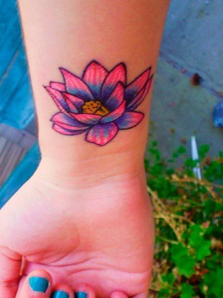 Is It Real Vine Vera Reviews Tattoo Ideas Flower Wrist Tattoos