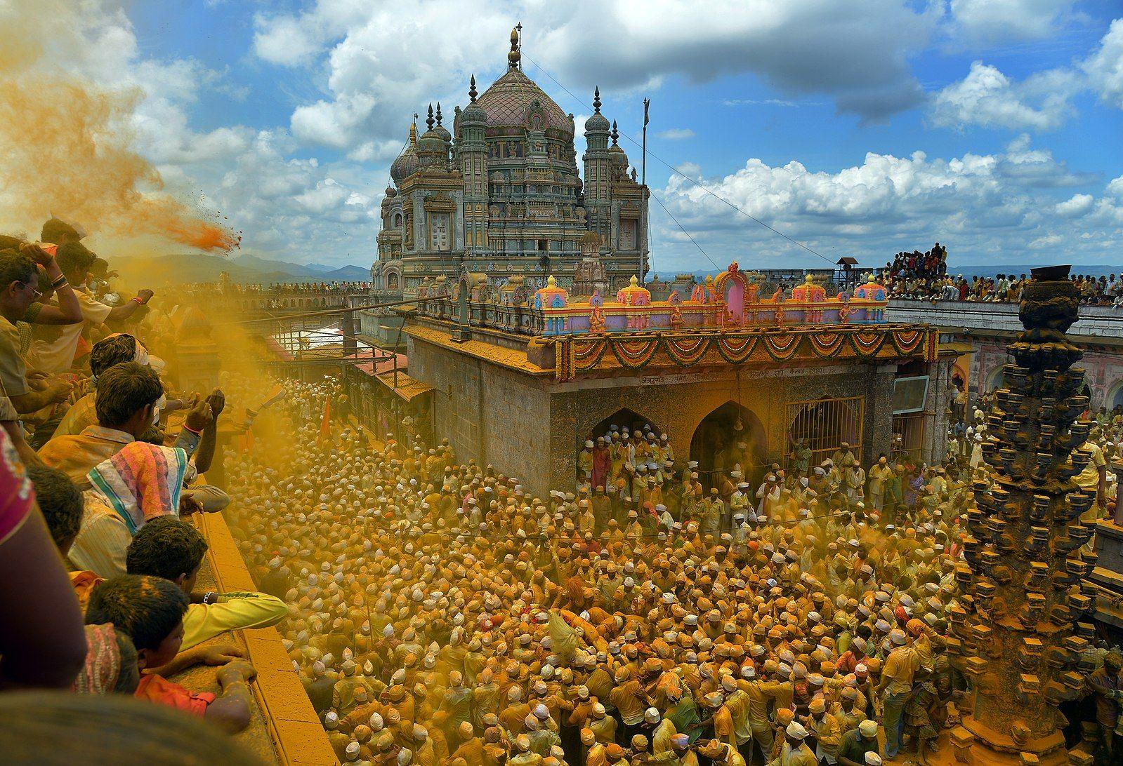File Khandoba Temple Pune Jpg Jejuri Monument Temple Photography