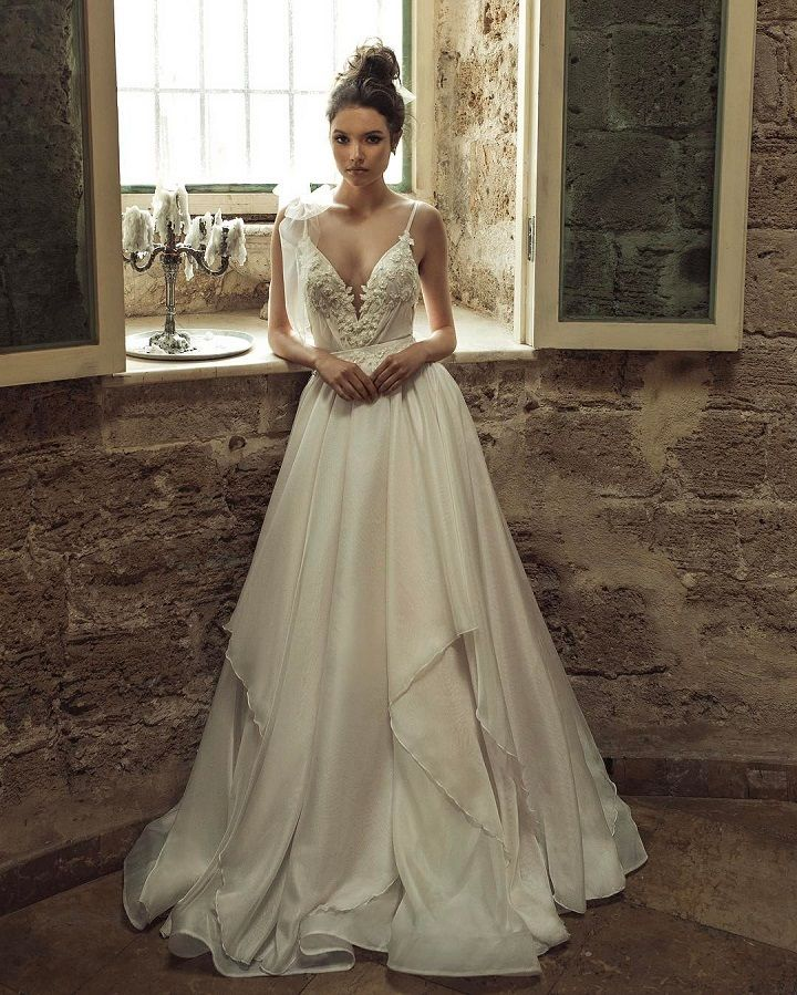 Julie Vino 2017 Wedding Dresses | itakeyou.co.uk #weddingdress #weddinggown #bridalgown #bridaldress #weddingdresses #weddinggowns