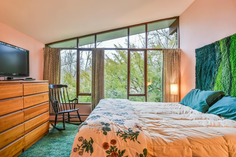 Turquoise Bedroom, Bloomington, Indiana, U.S.A. Mid